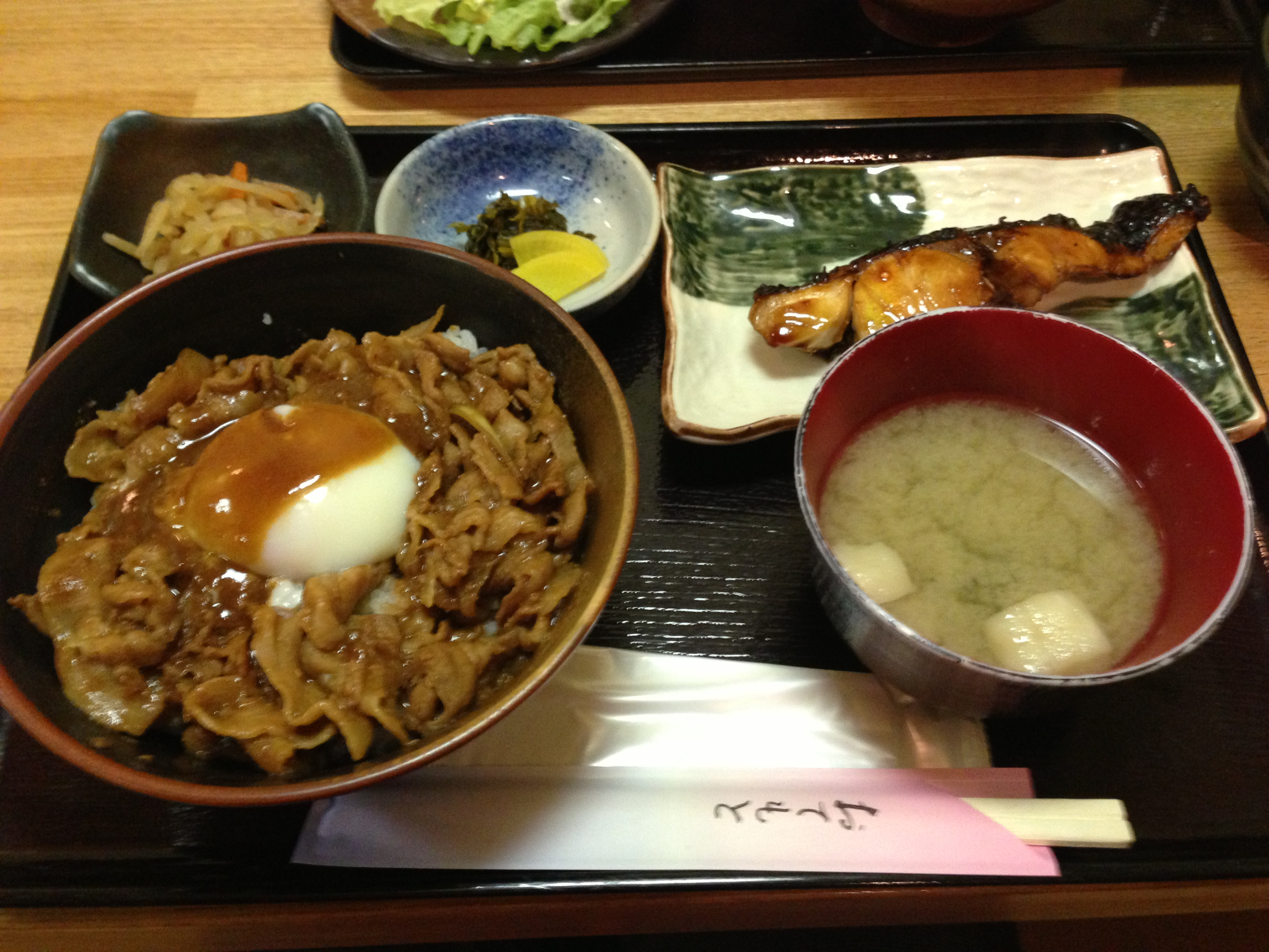 デザートが嬉しい!神田でランチなら「つくしんぼ」がおすすめ