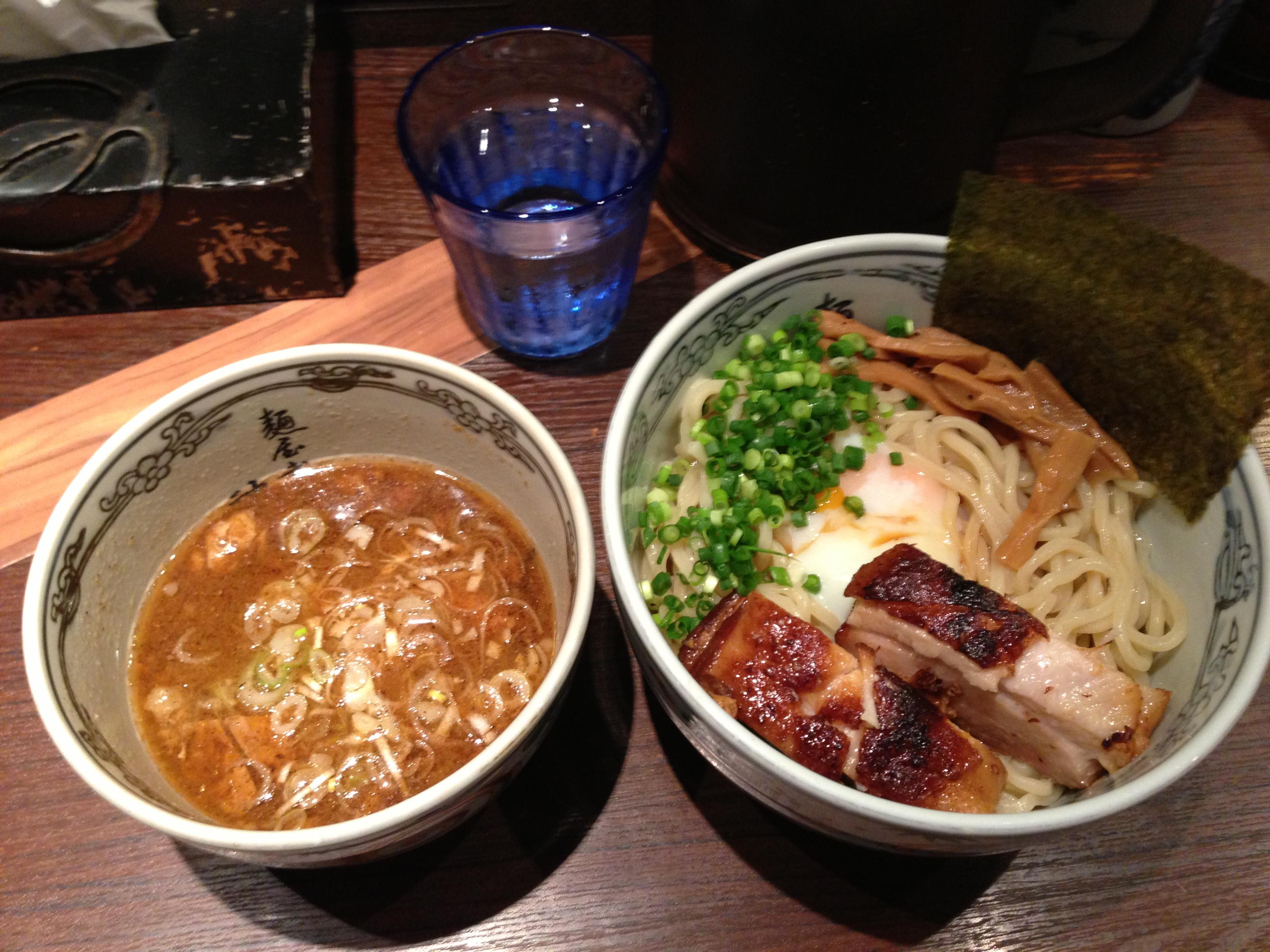 神田駅すぐそばのおいしいラーメン|麺屋武蔵 神山