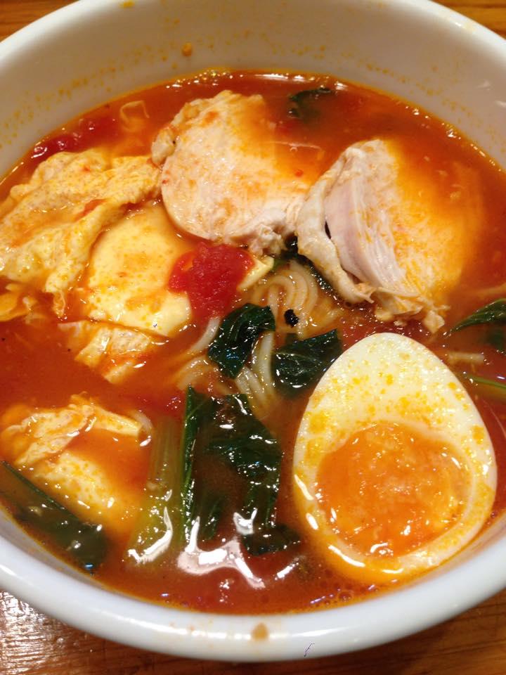 食べやすい?トマト炎麺が人気|炎麺 秋葉原店